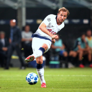 Defoe su Kane: «Se vuole vincere dei trofei, deve lasciare il Tottenham»