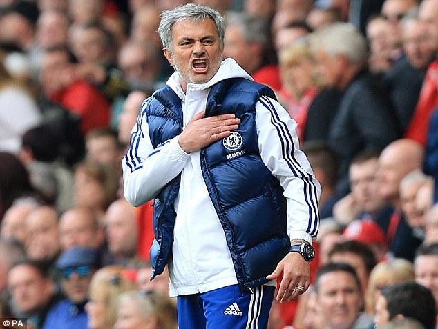 Mourinho sprona l'orgoglio Spurs: «Possiamo lottare per il titolo»