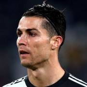 Ronaldo sfida Dybala e Bernardeschi a una gara di tiri: il VIDEO della Juventus