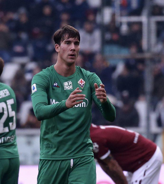 Vlahovic ha in testa solo la Fiorentina: rinnovo vicino