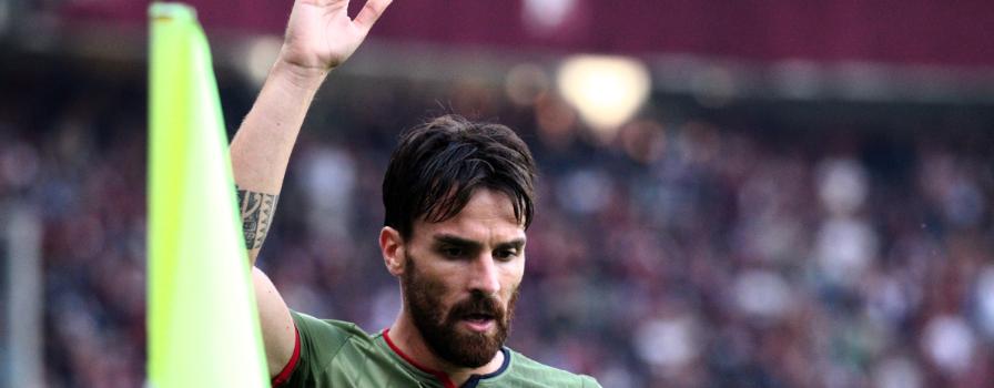 Il gesto di Cigarini: rinnova gratis con il Cagliari per concludere il campionato
