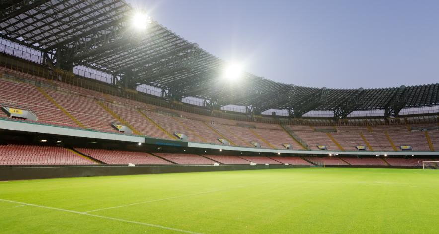 Napoli, per la difesa piace un difensore del Benevento