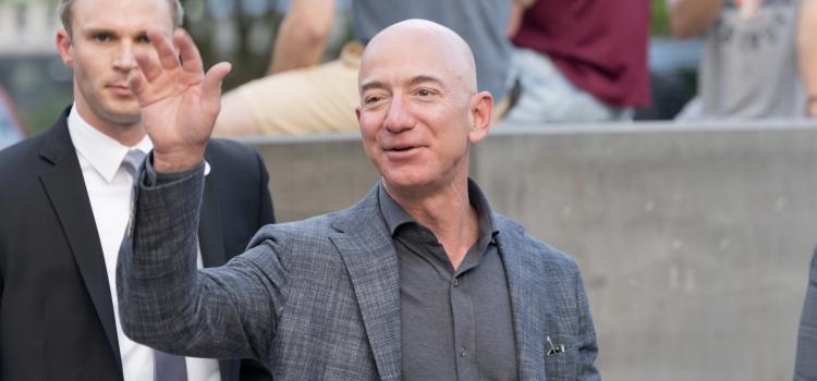 Amazon sfida Sky: ci si contende i diritti della Serie A